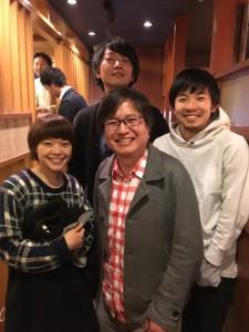 佐藤快磨監督(後ろ)岸井ゆきのさん(左)太賀さん(右)役者さん2人と僕の顔の大きさがかわいそうなくらい違う。くらいっていうか、かわいそう。